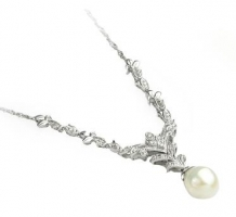 14KT White Gold Pearl & Diamond Necklace