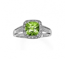 White Gold Peridot and Diamonds Ring